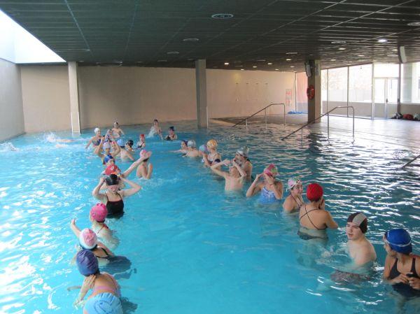 Visita a la piscina colegio jes s y mar a vedruna for Piscina valladolid