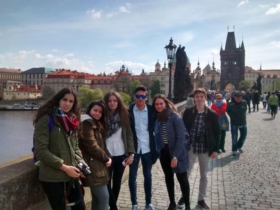 viaje checo trajes